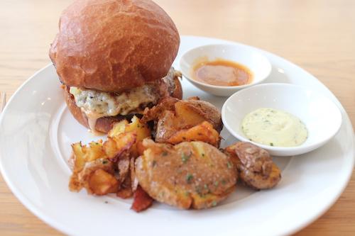 Untitled burger (Kasumi Abe)