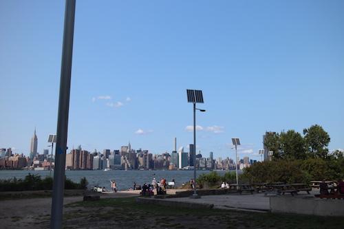「オールスター・クックアウト」はマンハッタンを望む屋外で開催された。